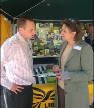 david-clulow-speaking-to-lib-dem-ppc-judith-bunting-about-the-education-petition-in-newbury.jpg