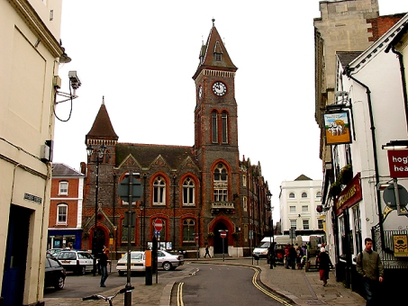newbury-town-hall-labelled-for-reuse-w-modification